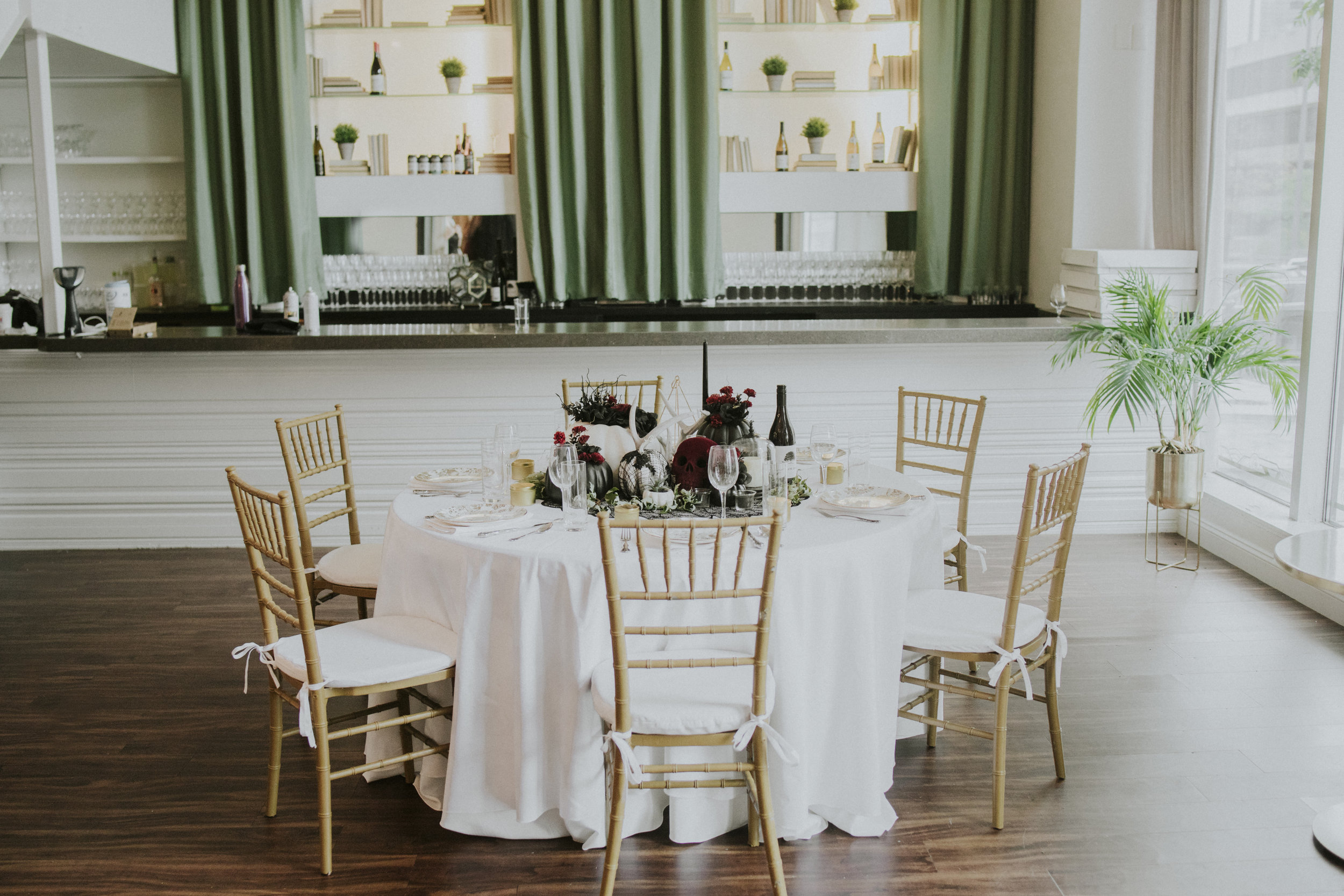 Omaha-wedding-photographers-hotel-deco
