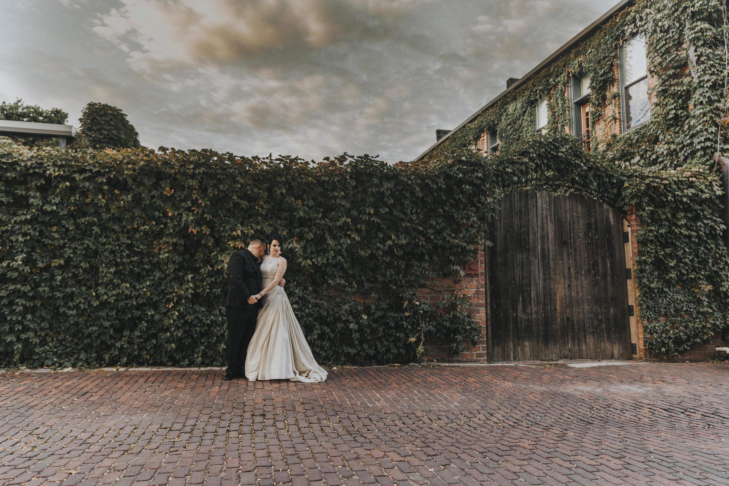 377 luciles- omaha-old-market-elopement-photography.jpg