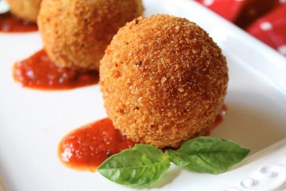 Arancini-Sicilian-Rice-Balls-Christinas-Cucina-1024x682-720x540.jpg