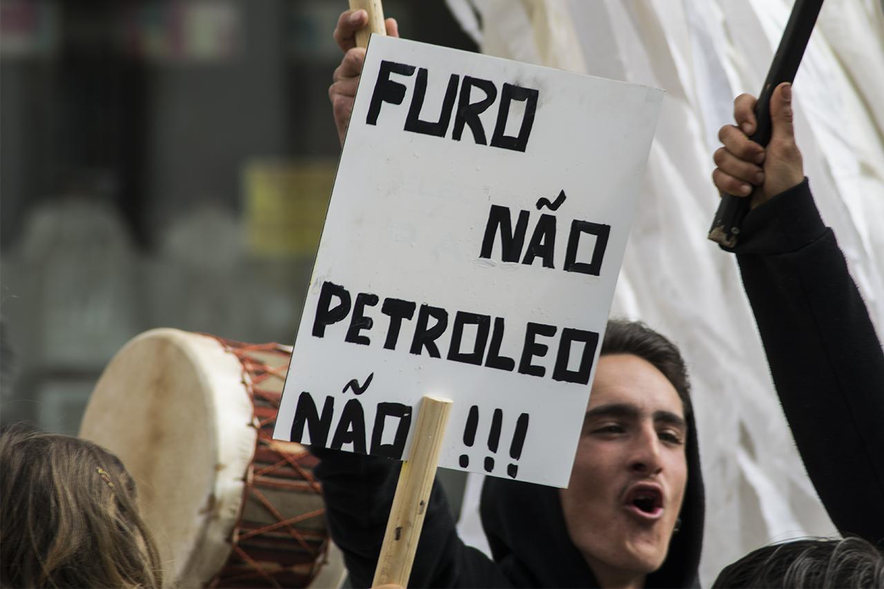 Manifestacao-Petroleo-Faro-CCDR-GD12.jpg