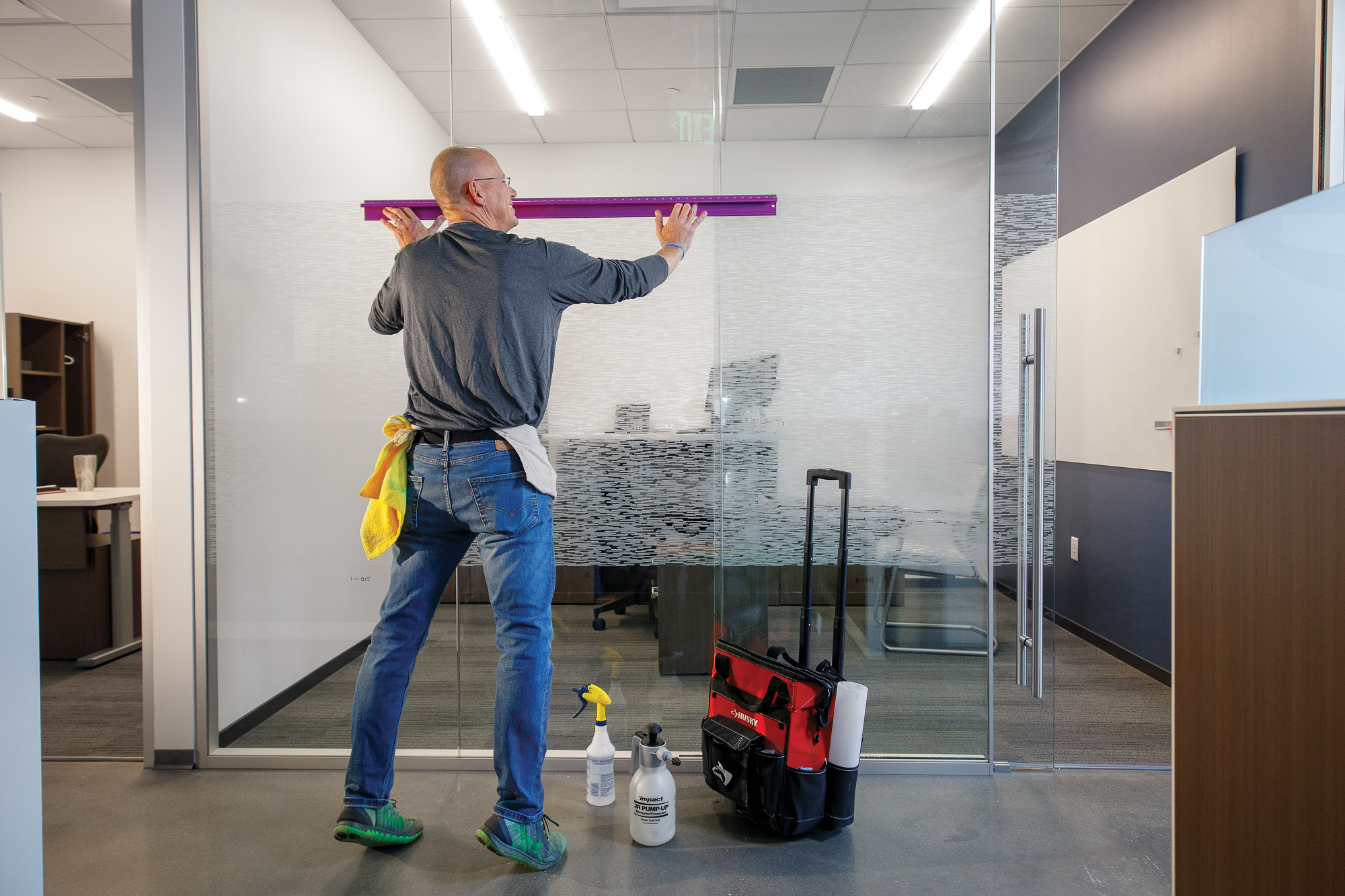 Installation_Commercial Window Film_MG_8331_small 2000 px.jpg