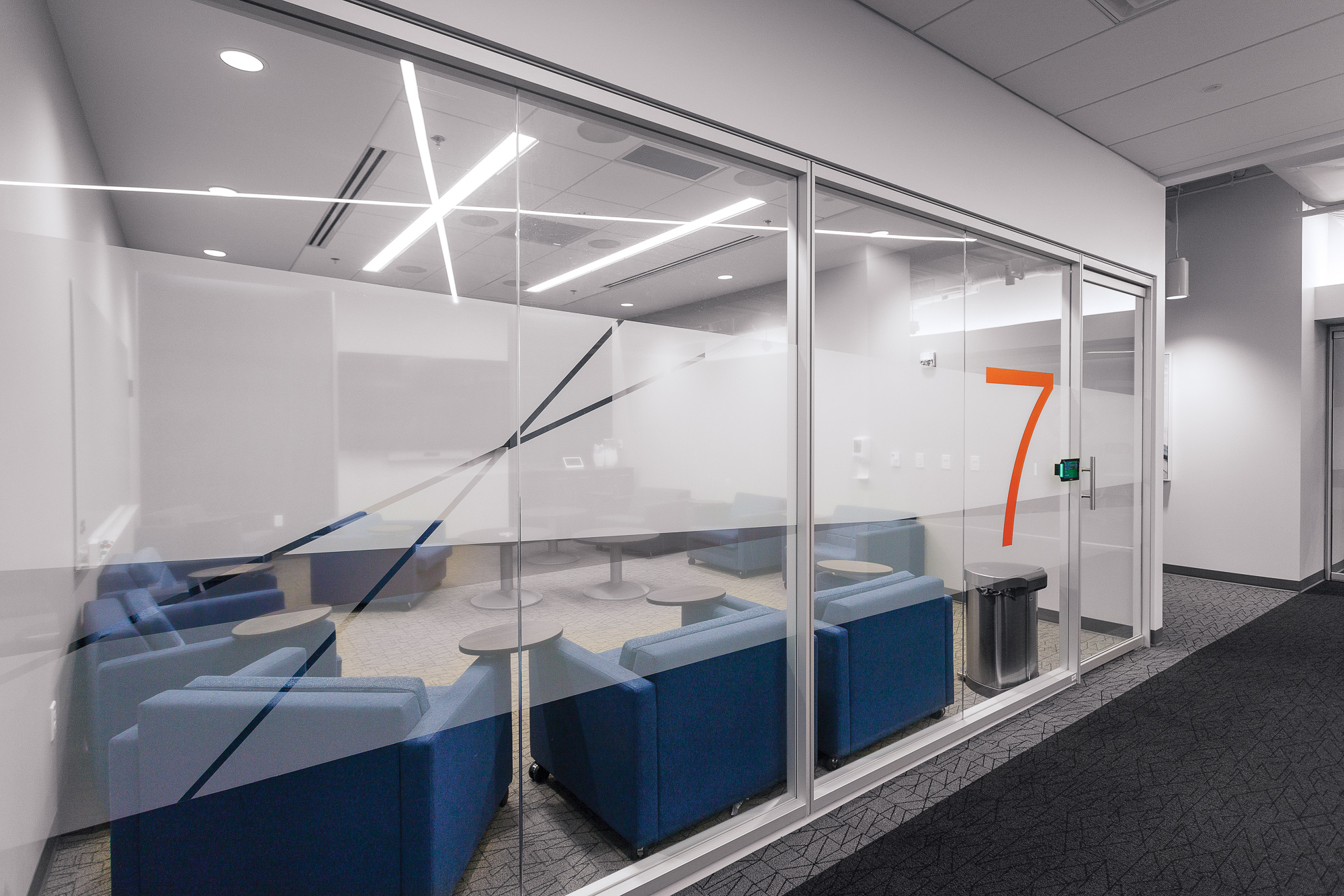 HCA Building 4_Environmental Branding_Commercial Window Film_Room 7_MG_2007_small 2000 px.jpg