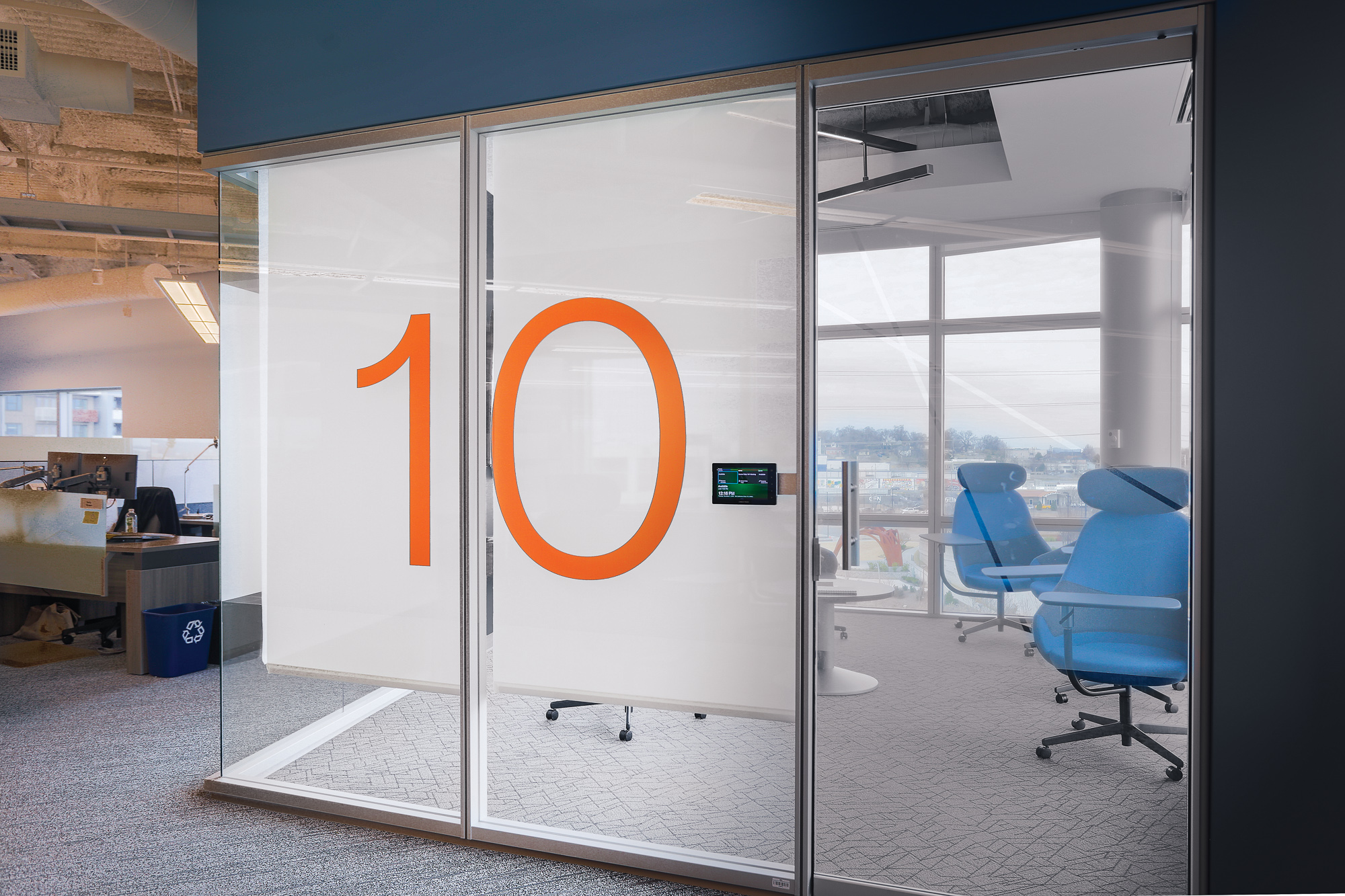 HCA Building 4_Environmental Branding_Commercial Window Film_Room 10_MG_2057_small 2000 px.jpg