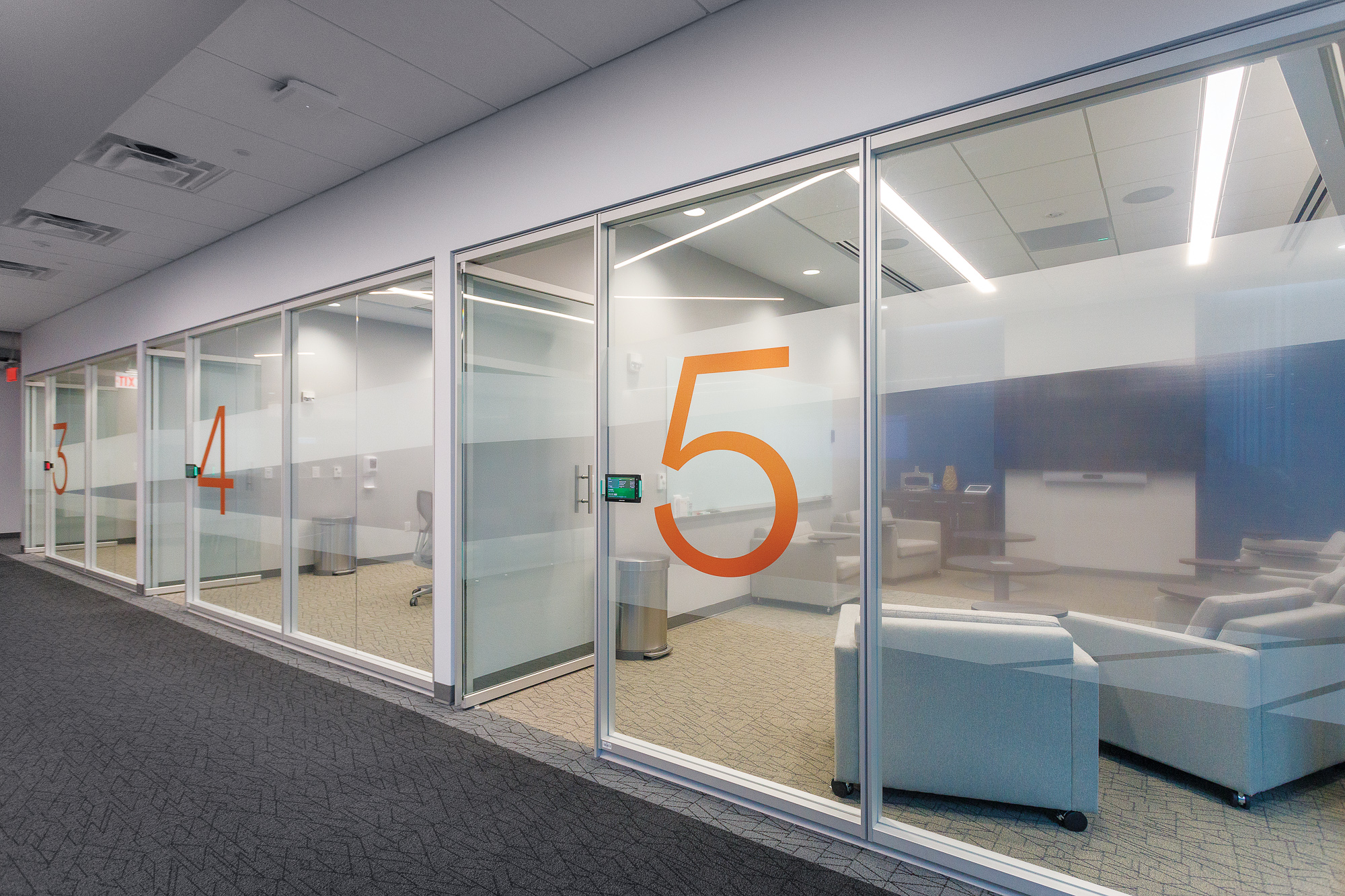 HCA Building 4_Environmental Branding_Commercial Window Film_Rooms 3 4 5__MG_1910_small 2000 px.jpg