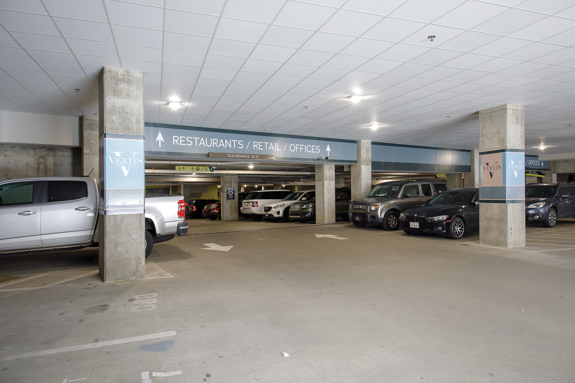 Vertis-Green-Hills_brand-identity-signage_parking-garage_MG_5974_small 2000 px.jpg