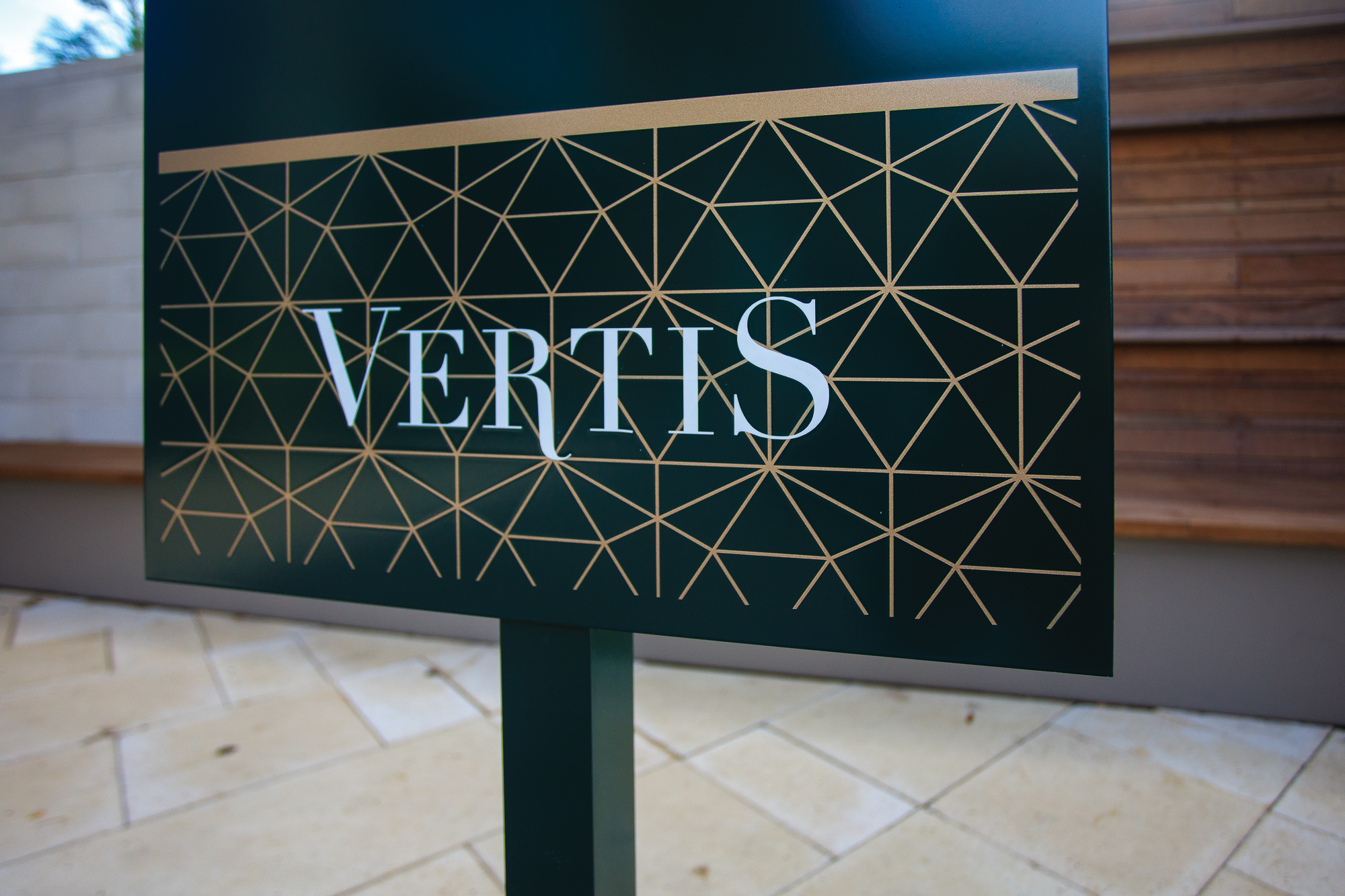 Vertis-Green-Hills_brand-identity-signage-detail_MG_5204_small 2000 px.jpg