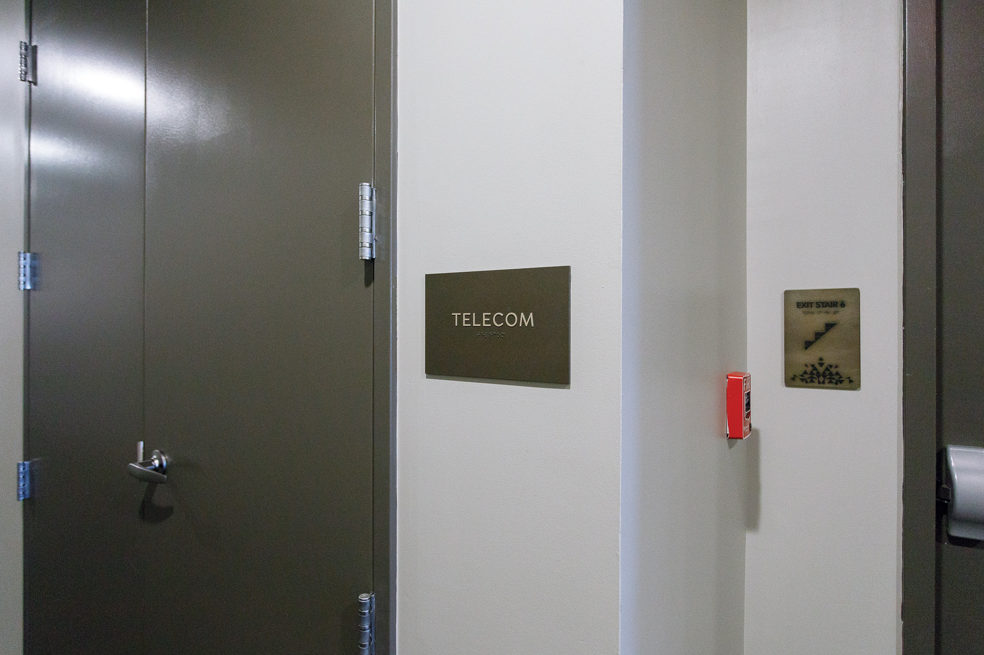 Vertis-Green-Hills_Signage_Required by Building Codes_Telecom_MG_5297_small 2000 px.jpg