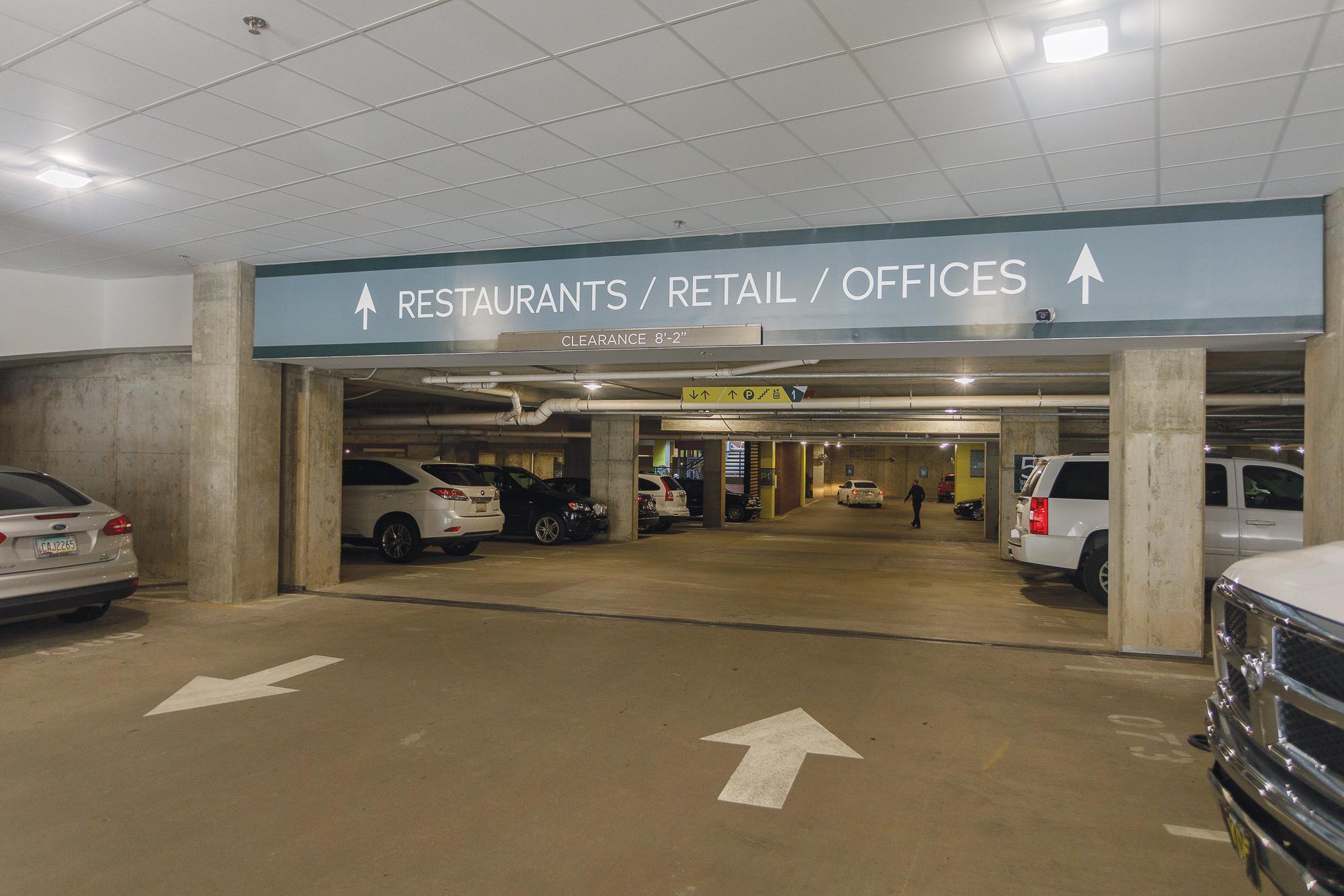 Vertis-Green-Hills_wayfinding-signage_parking-garage-restaurants-retail_MG_5238_small 2000 px.jpg