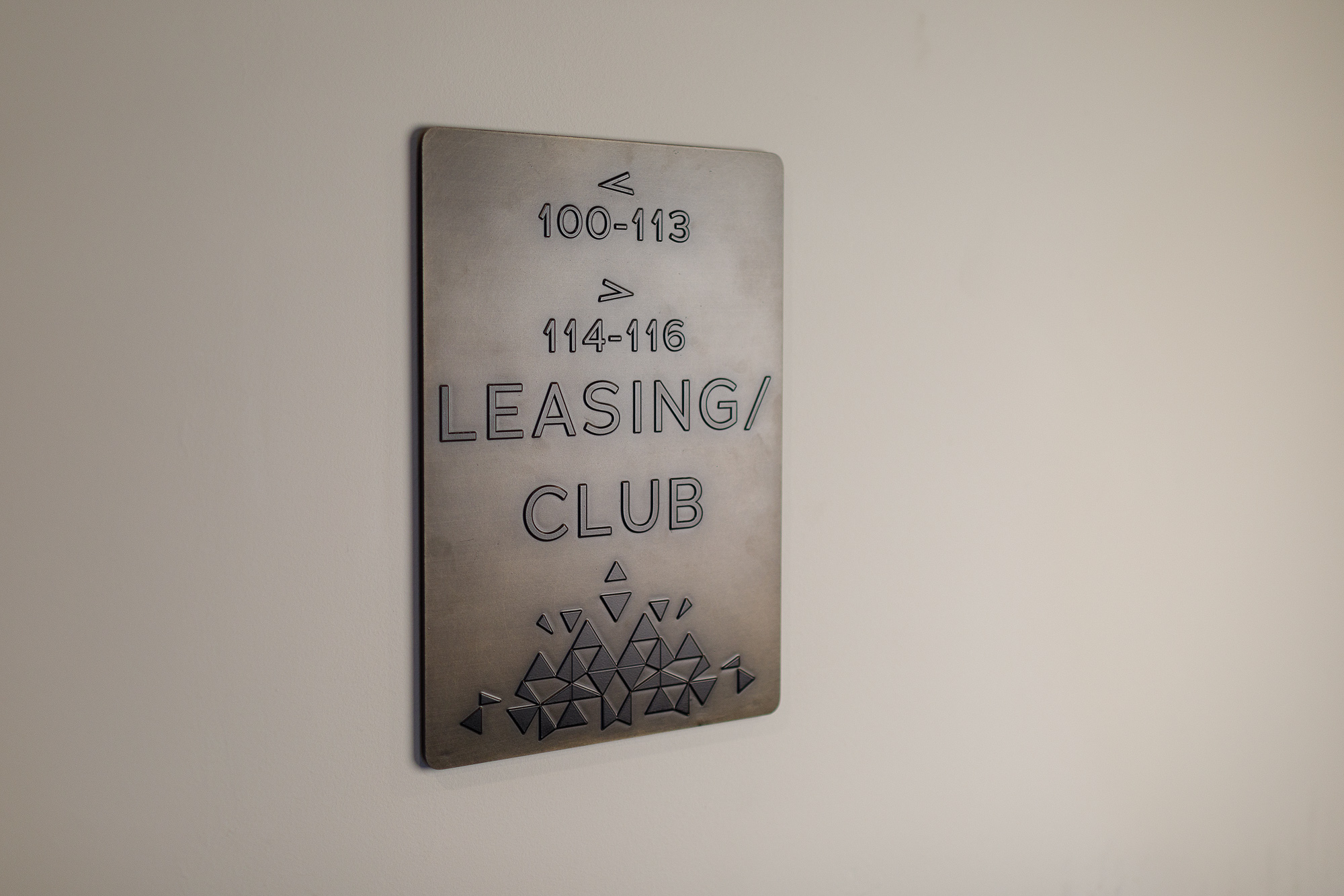 Vertis-Green-Hills_wayfinding-signage-Room numbers-leasing club_MG_6207_small 2000 px.jpg