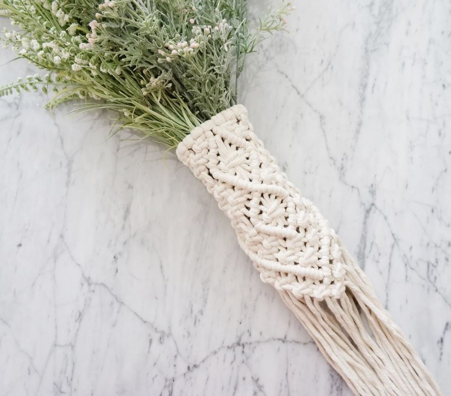 The perfect way to add in the big macrame trend to your wedding bouquet!
