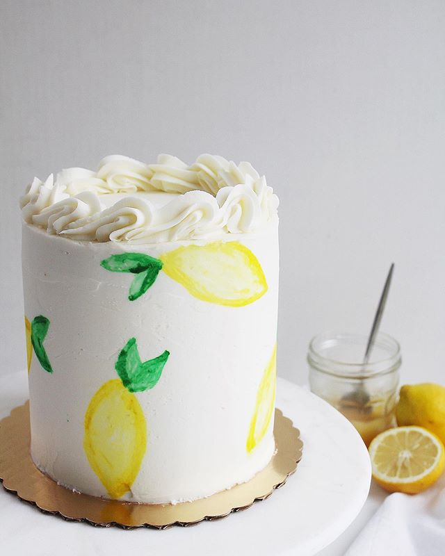 When life hands you lemons - make a lemon cake, duh! 🍋 🎂 🍋  Channeling major @okcsweets vibes with this hand painted lemon beauty. Lemon cake filled with homemade lemon curd and vanilla buttercream.  #lemoncake #cake #thewoodenspooncakery #paintedcake #handpainted #cakecakecake #cakedecorating #lemon #lemoncurd #buttercream #cakeboss #wiltoncakes #food52 #homemade #smallbusiness #cakery #foodphotography #cakephotography #washingtondc #dcfoodporn #dccakes #dccakery