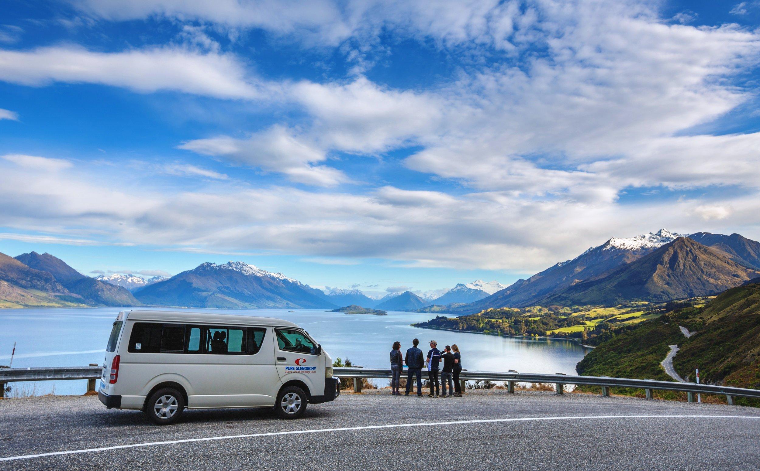 New_Zealands_most_scenic_road.jpg