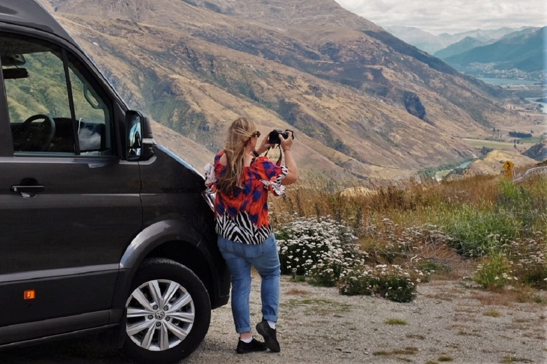 Arrowtown & Wanaka Full Day Tour Remarkable Scenic Tours - A full-day tour visiting four historical mining towns including Arrowtown and one of the world's top 10 holiday destinations, Wanaka. Ph +64 (03) 441 8867 Tour time 9.30am to 5.00pm, pick ups from 9.10amDuration:8 Hours(approx.)