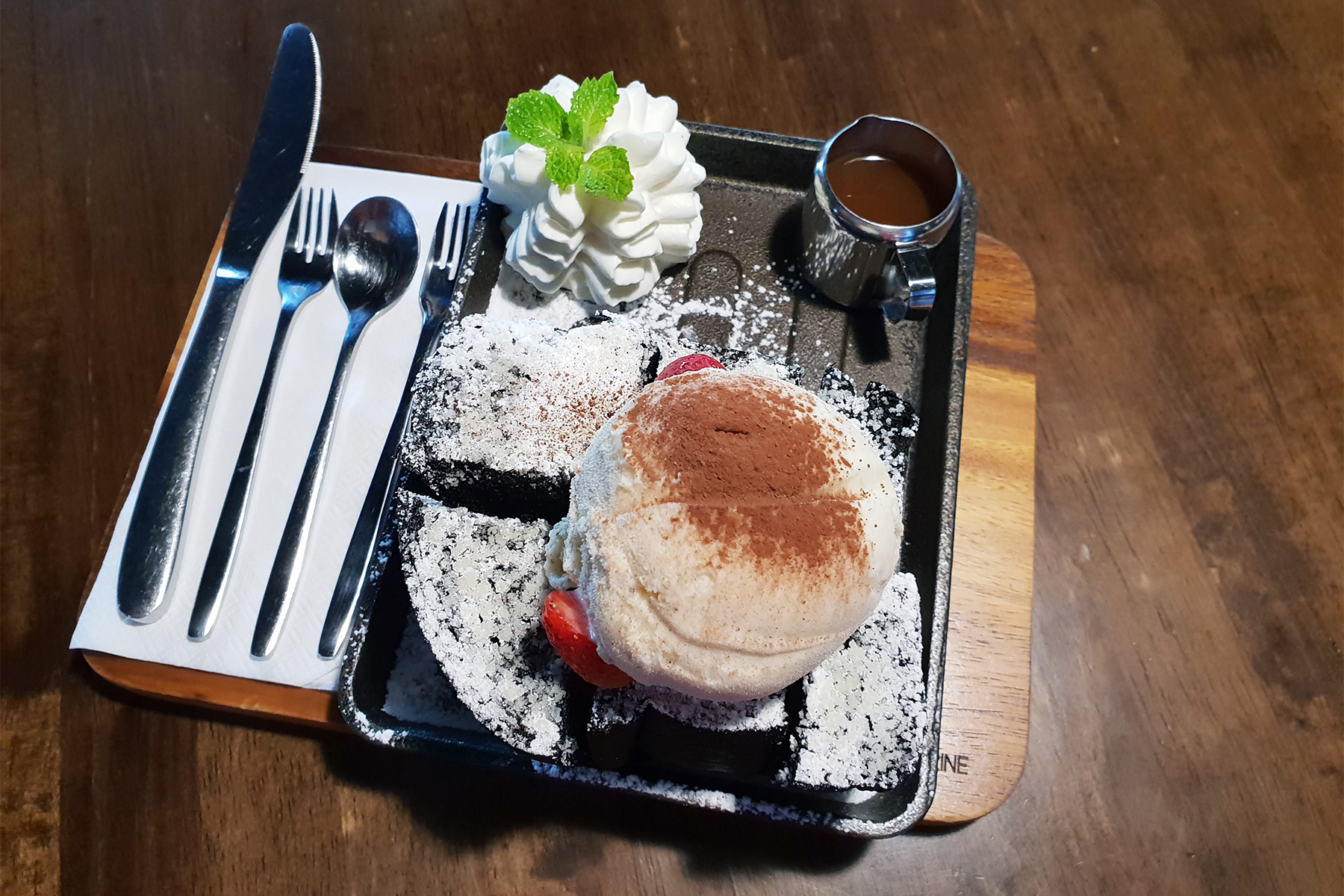 Black Honey Toast with Vanilla Ice-cream!