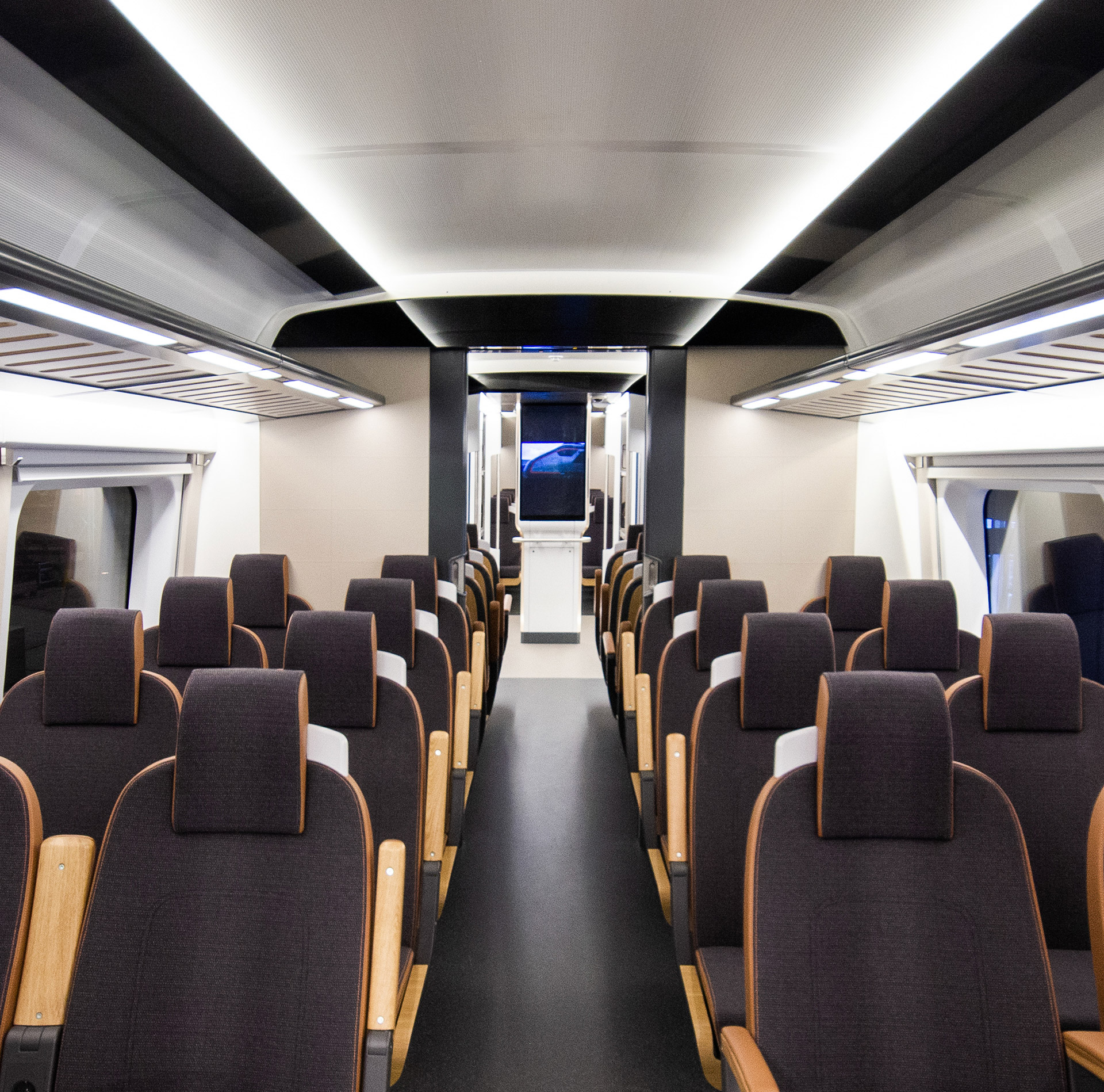 transportation-design-interior-train.jpg