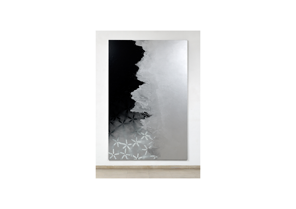 Cool Water II, 2013    Lackspray auf Baumwollstoff 295 x 195 cm