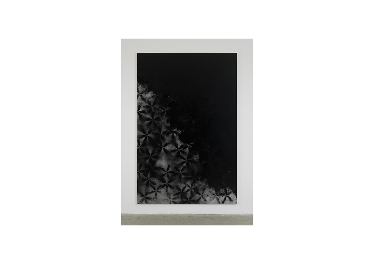 Rising Water II, 2006    Lackspray auf Baumwollstoff 295 x 195 cm