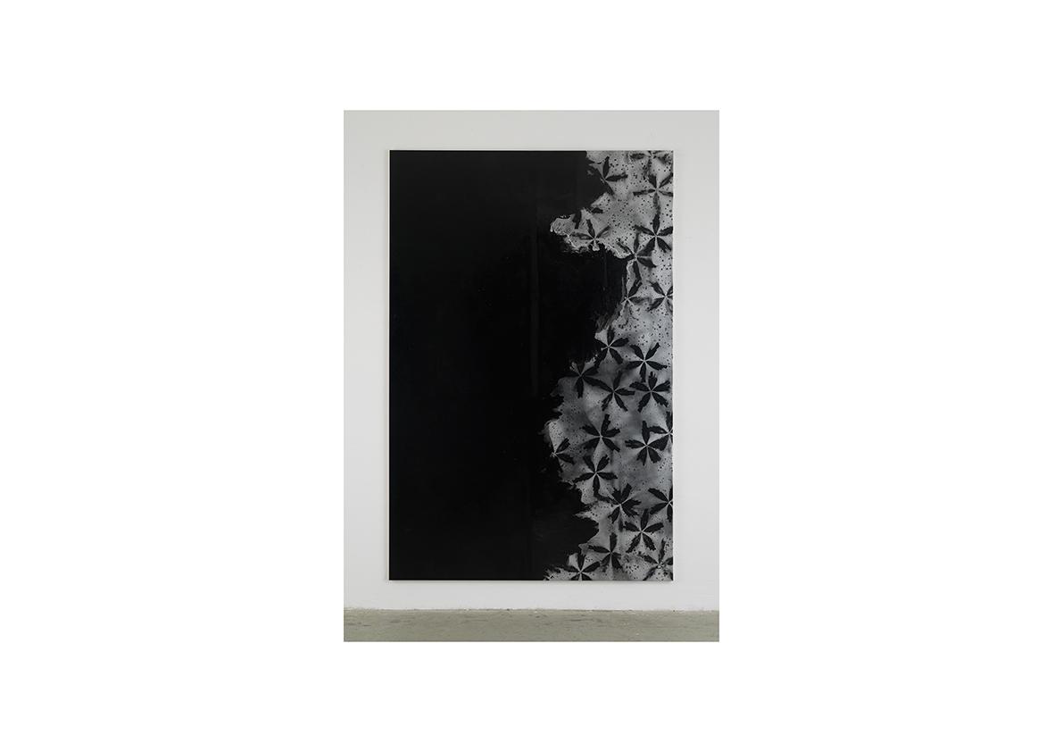 Rising Water III, 2006,    Lackspray auf Baumwollstoff 295 x 195 cm