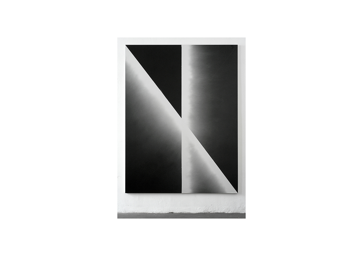 Ohne Titel, 2004    Lackspray auf Baumwollstoff 240 x 180 cm