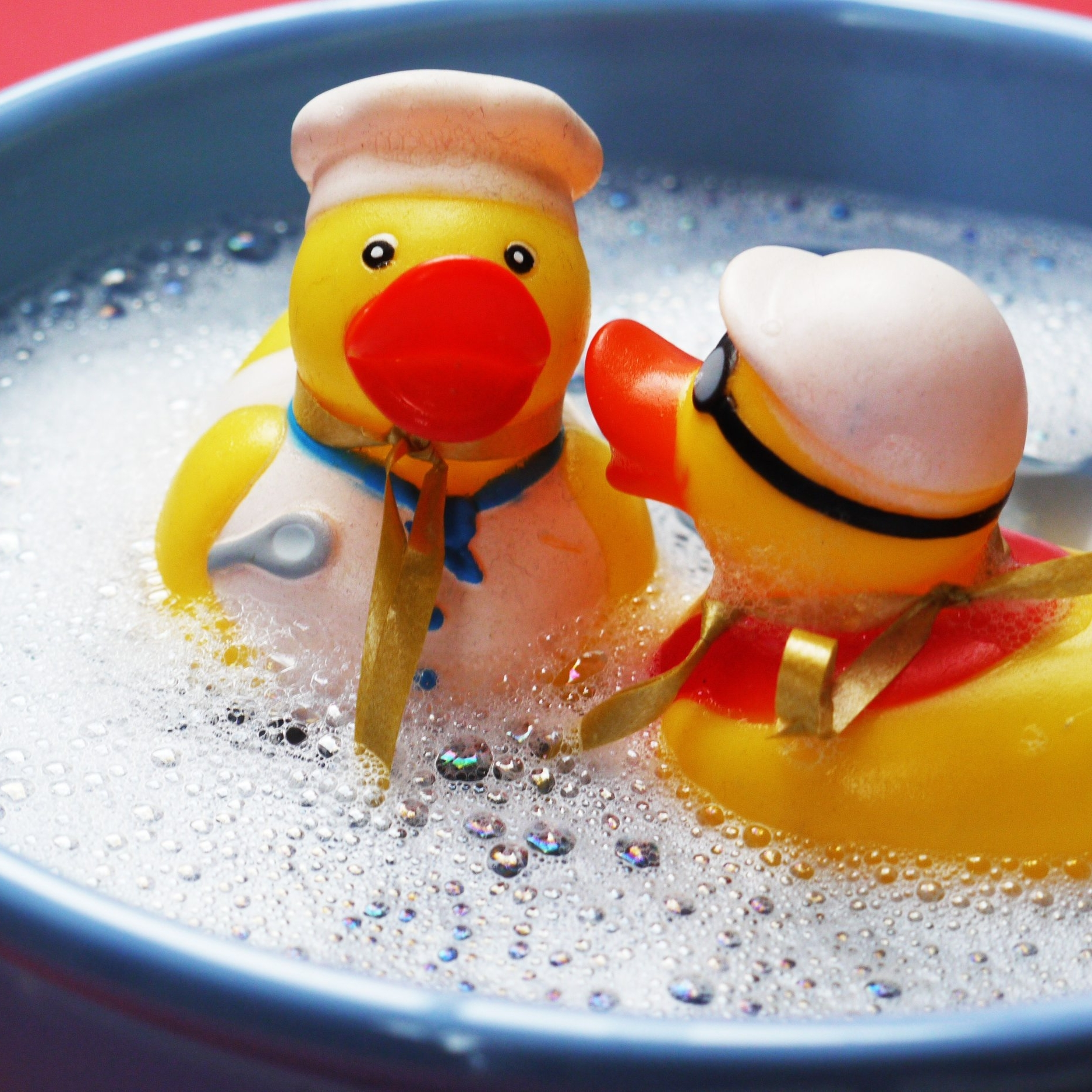 floating-rubber-ducks-soap-bubbles-160992.jpg