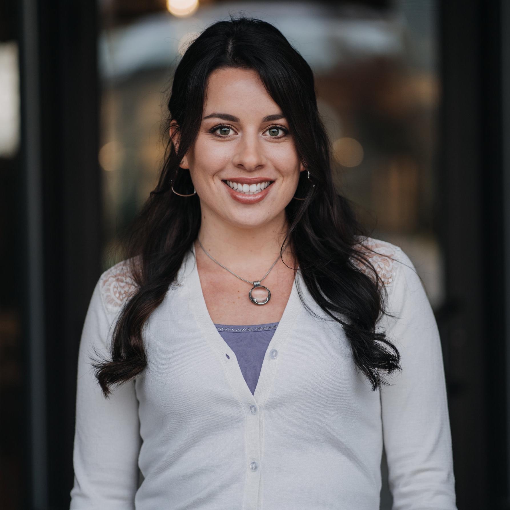 Grace D. - assistant designer / sales advisor