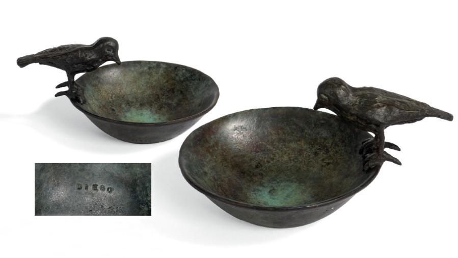 Coupelle à l'oiseau    Bronze (ciselé et patiné.) - 9 x 16.5 x 13 cm  VENDU