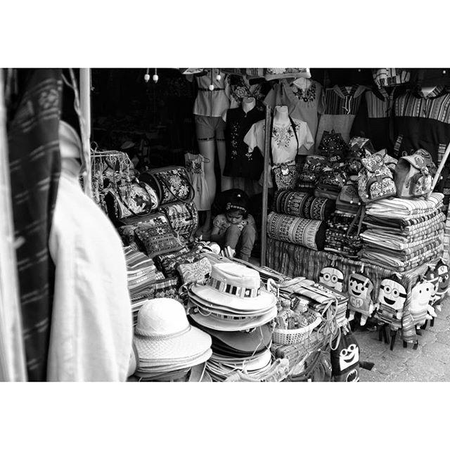 From a recent trip to Guatemala Fuji Xpro2 + Nikkor 28mm f2 . . . . #streetlife #streetphoto_bnw #streetblackandwhite #streetphotograph #streetphotography #streetphoto_bw #fujifilm_street #myfujilove #bnw #bnwmood #bnwinstagram #bnwzone #bnw_planet #monochrome #blackandwhite #hideandseek #peoplewatching #guatemala #travelphotography #blackandwhitephotography #instabnw #photographylife #fujifilmx_us @bnw_greatshots @bnwsouls