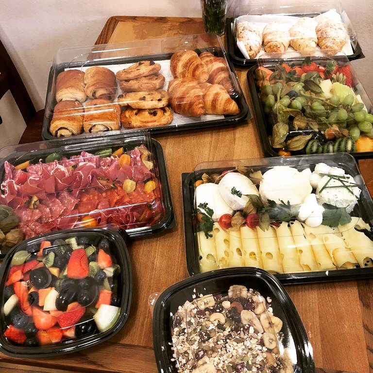 We deliver Buffets - breakfast, lunch or dinner