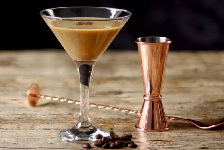 Flat White Martini - Glass: best served in a martini glassMethod: 'shaken' be sure to use a shaker to get the desired effect50ml Baileys Original Irish Cream25ml espresso10ml milkice cubesPour all contents into a shaker. shake until perfectly blended. pour contents through a strainer into your glass.Dress with coffee beans - sit back & enjoy!