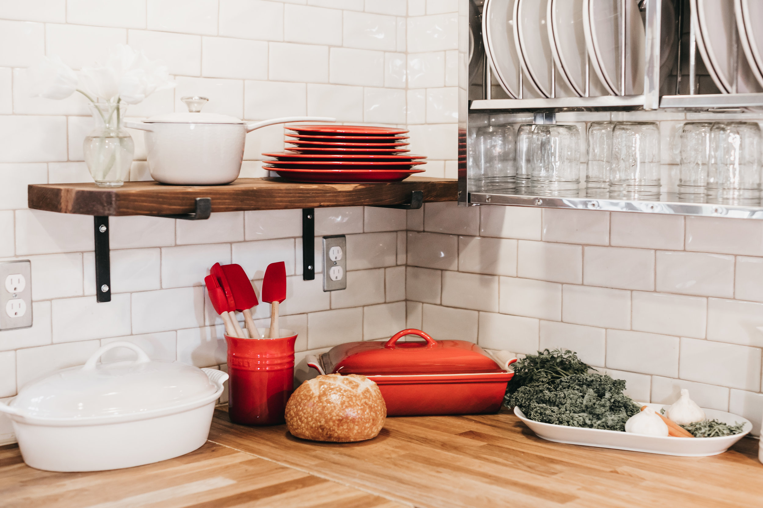 10 Items To Get Rid Of In Your Kitchen - Give your cupboards a good cleaning
