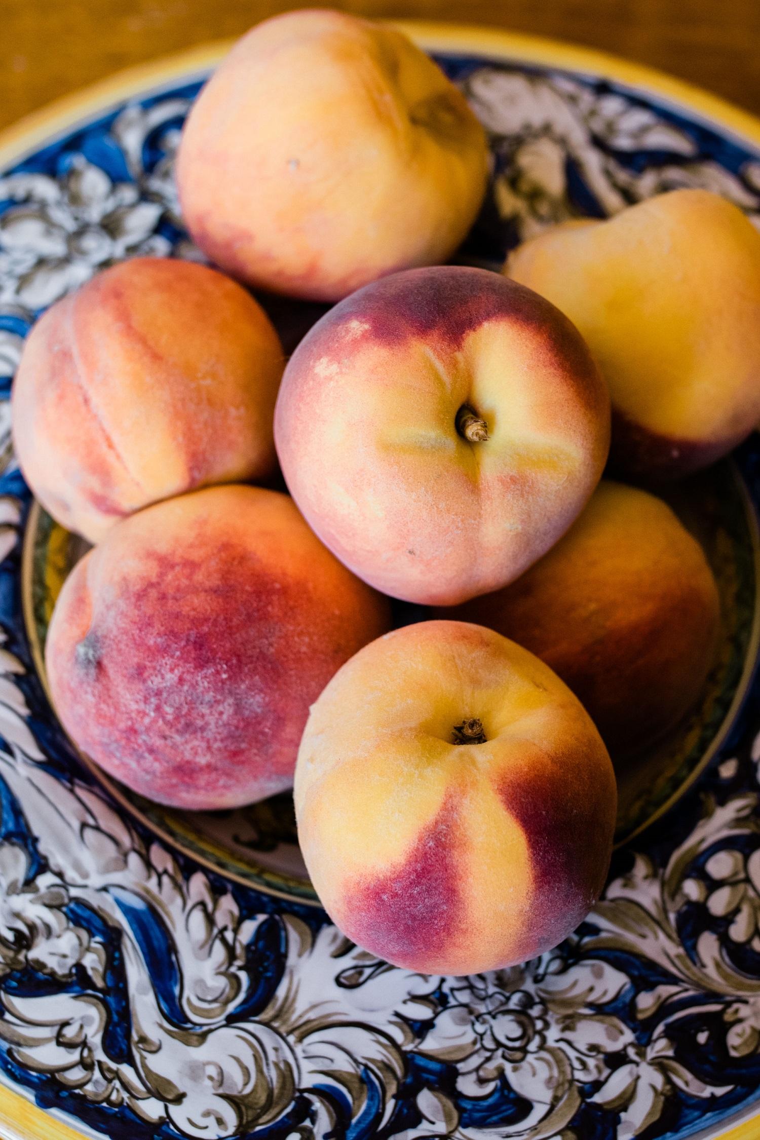 fresh-peaches-in-bowl-close-up.jpg