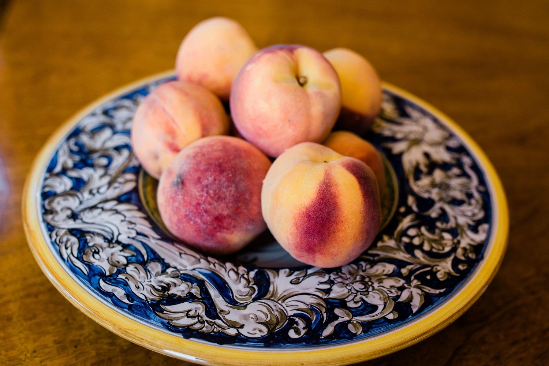 fresh-peaches-in-bowl.jpg