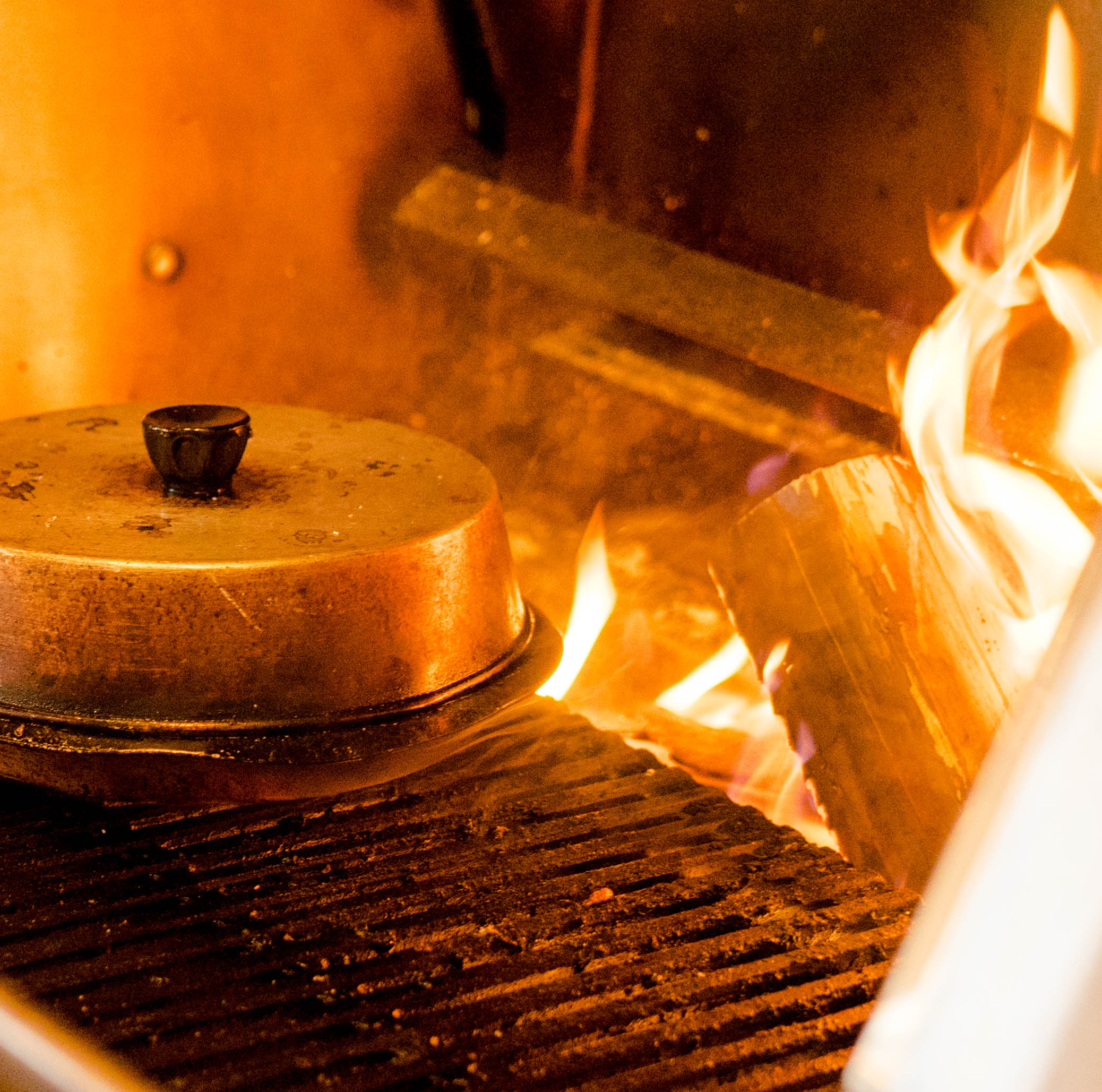 OVENS & EQUIPMENT - Kitchen design and equipment sourcing and training are critical to a sustainable and successful operation. We look forward to helping you pair the right equipment and kitchen training with your operation.