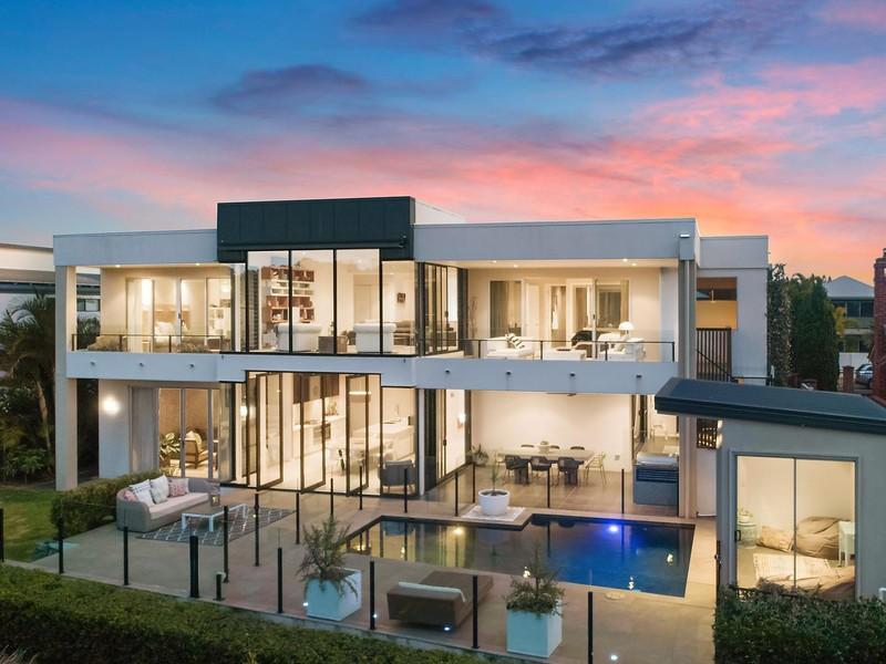 $2,500,000 - SUBURB RECORD // SINNAMON PARK