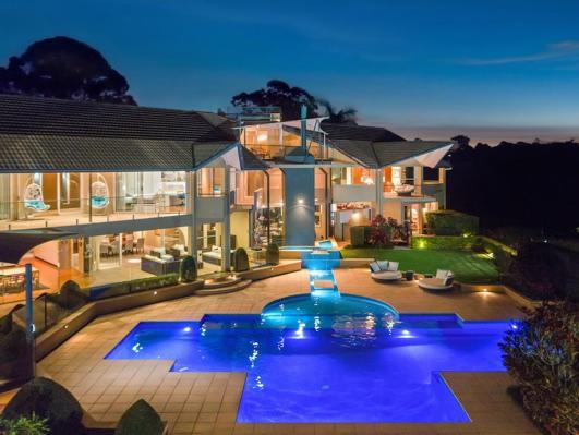$3,900,000 - SUBURB RECORD // CHAPEL HILL