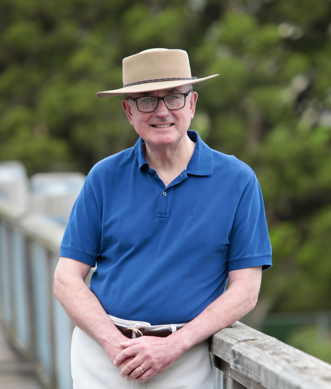 Dr Geoffrey Squires