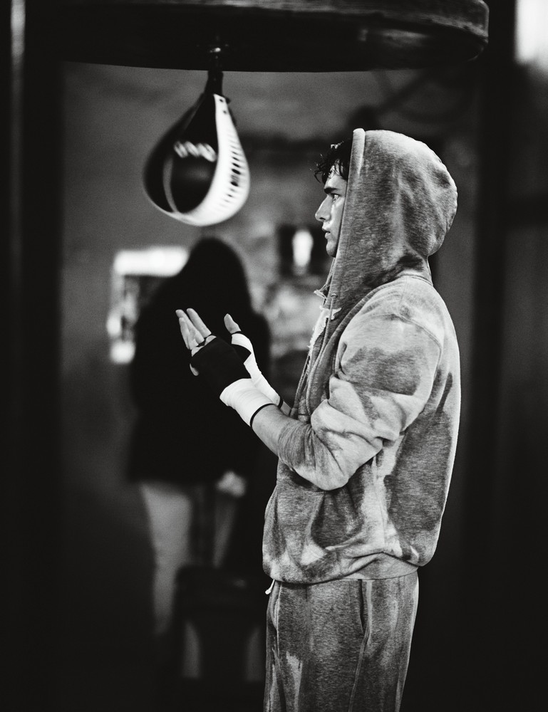 cotton sweatshirt, sweatpants, and hand wraps EVERLAST