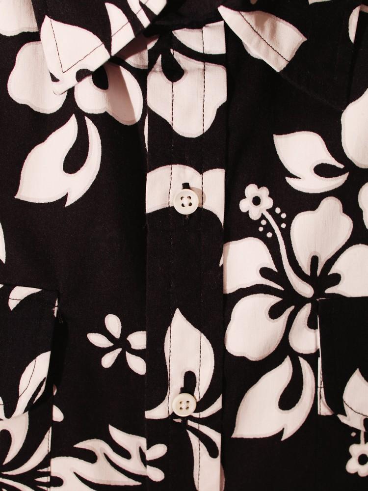 cotton floral shirt OVADIA & SONS opposite page: silk pongee shirt PRADA