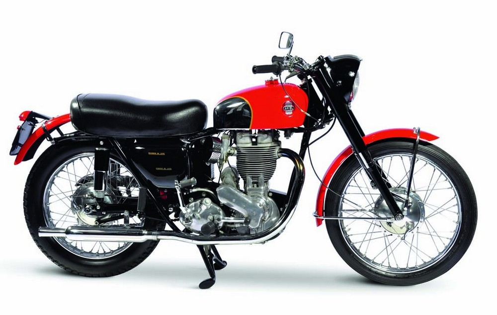 1958 Ariel Red Hunter Amongst the elite of Britain's postwar single-cylinder bikes, the Red Hunger excelled in off-road competition.