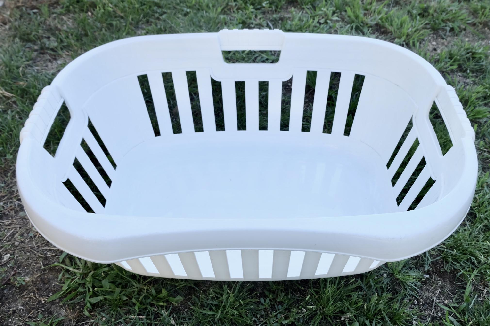 Laundry basket ergonomics