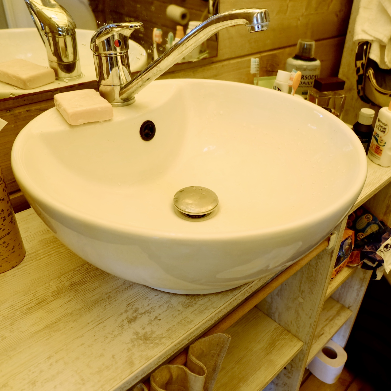 Oversized glamping sink ergonomics