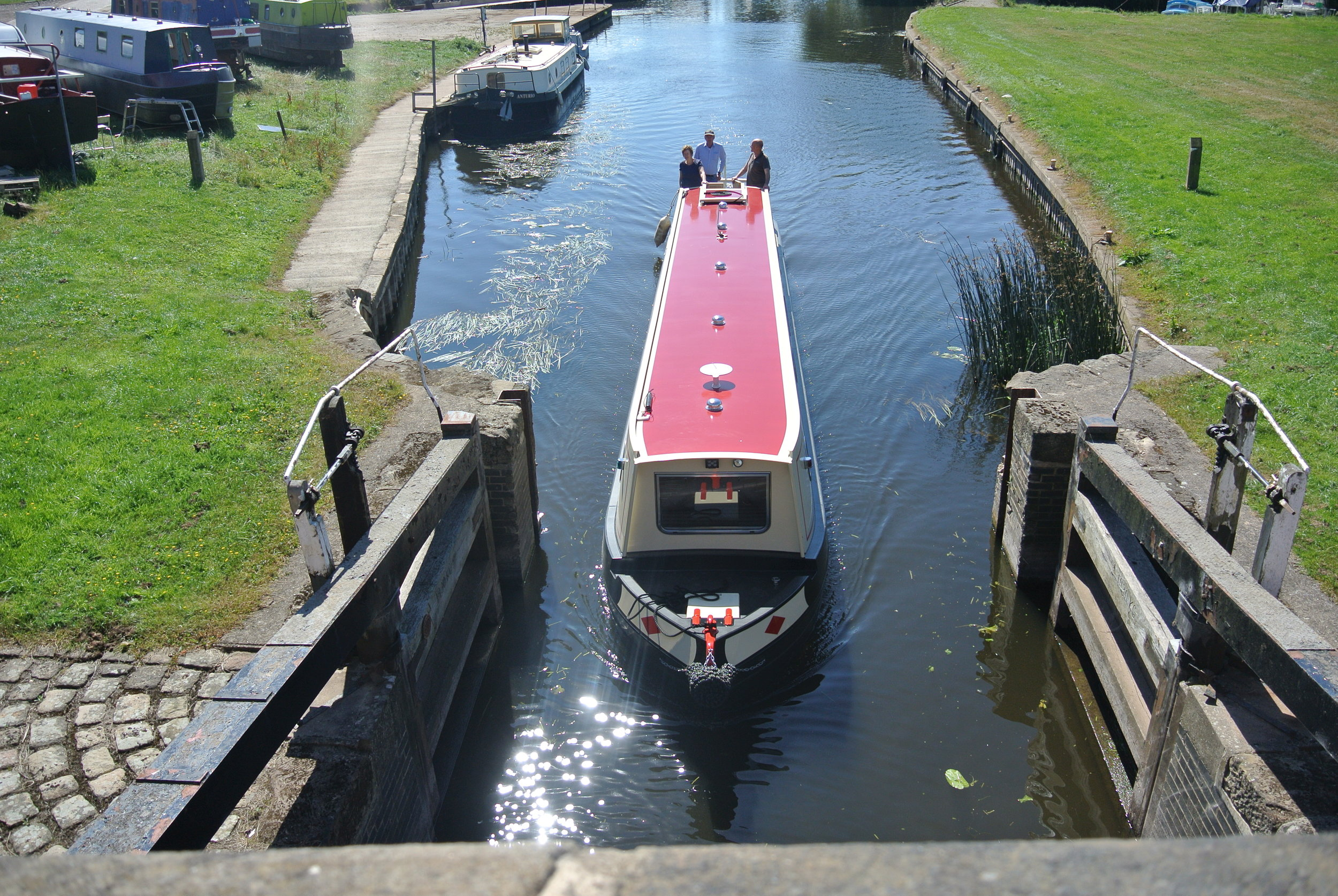 Narrow Boat 1.JPG