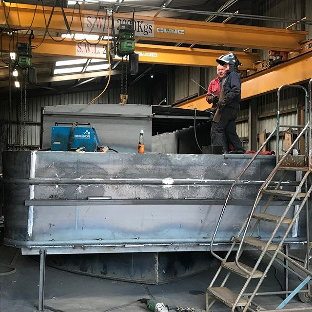 Steady she grows and becomes the Barge of all our dreams. New pictures of our latest Barge as she comes up big and healthy!😎Let us make your dream of owning your own Brand New Home a reality. Contact us enquiries@nottinghamboatco.com 07901673829