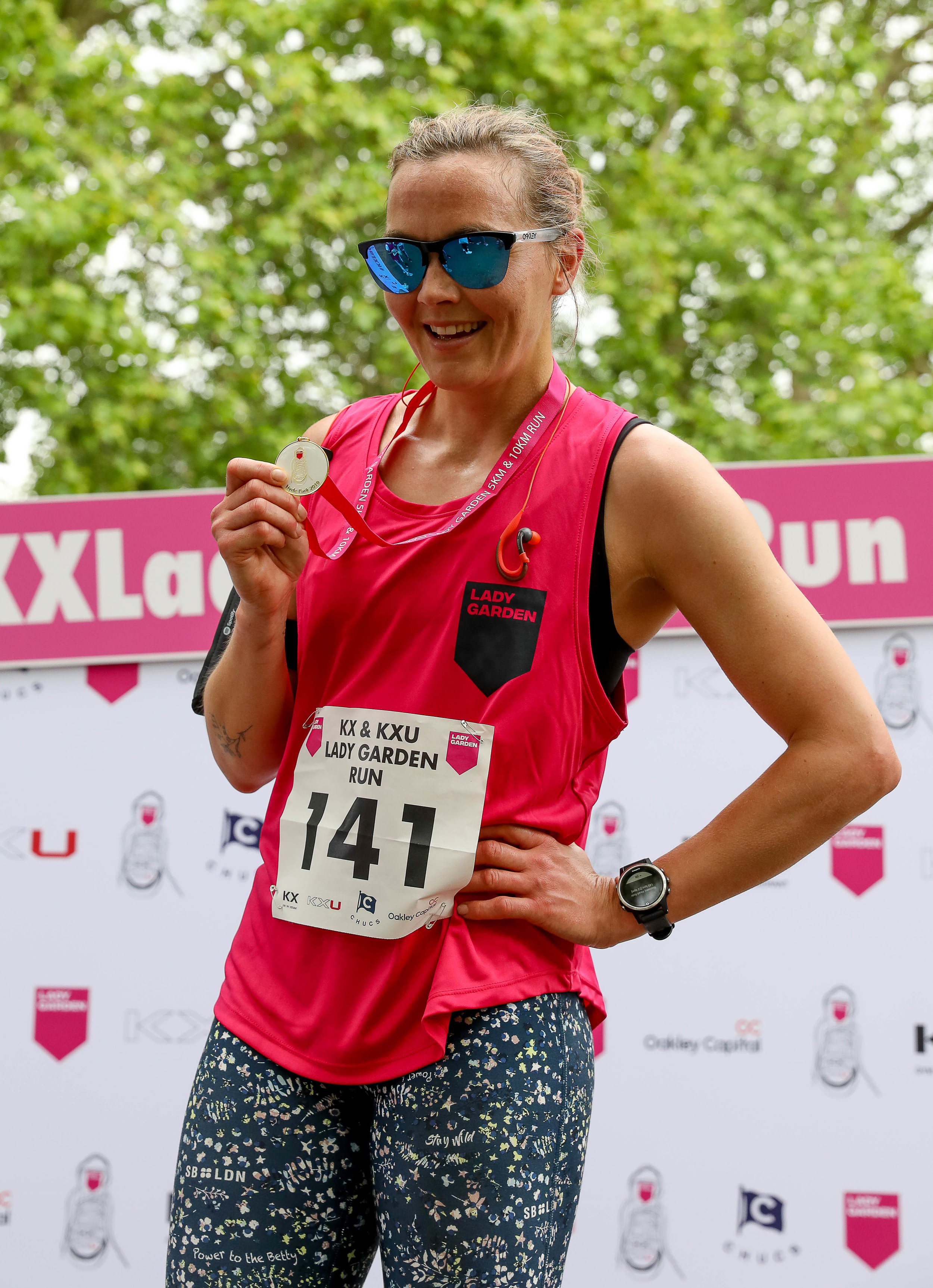 The KX & LXU Lady Garden Run 2019 - Following the success of last year's Lady Garden Run which raised a phenomenal £86,000, The Lady Garden Foundation sprinted back into action on Saturday 18th May for the 2019 KX & KXU Lady Garden Run in Hyde Park, supported by Chucs Restaurants and Oakley Capital. The 500 strong participants were joined by long-term Lady Garden supporters such as Victoria Pendleton and Elizabeth Saltzman. Before setting off on either a 5k or 10k course, everyone got warmed up thanks to Paola's Bodybarre, with Charlotte De Carle on the decks. All runners got a fantastic goody bags , generously donated by APE Snacks, Bumble, DASH Water, Deliciously Ella, Doisy and Dam, Heath and Heather, Marmite, Nails Inc., Ohne Tampons, Rebel Kitchen and Vaseline. The incredible £90k raised by this years event will go towards even more life changing research and gynaecological cancer support at the Royal Marsden Hospital.