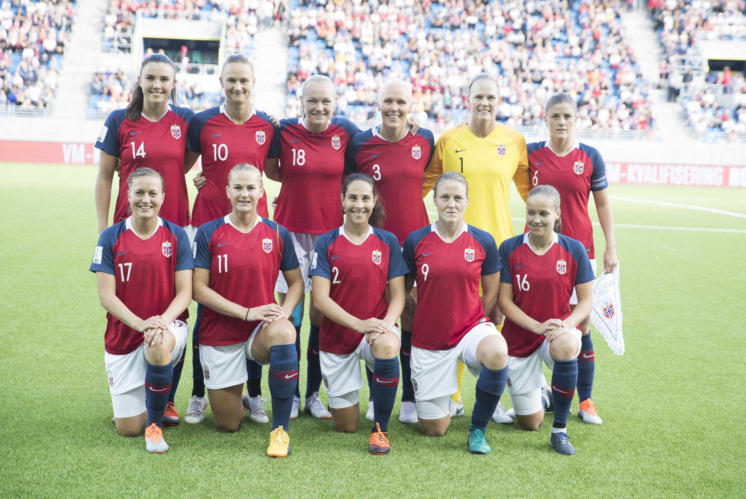 Dette laget kvalifiserte Norge til fotball-VM da de slo Nederland i fjor høst. FOTO: Terje Pedersen/NTB scanpix