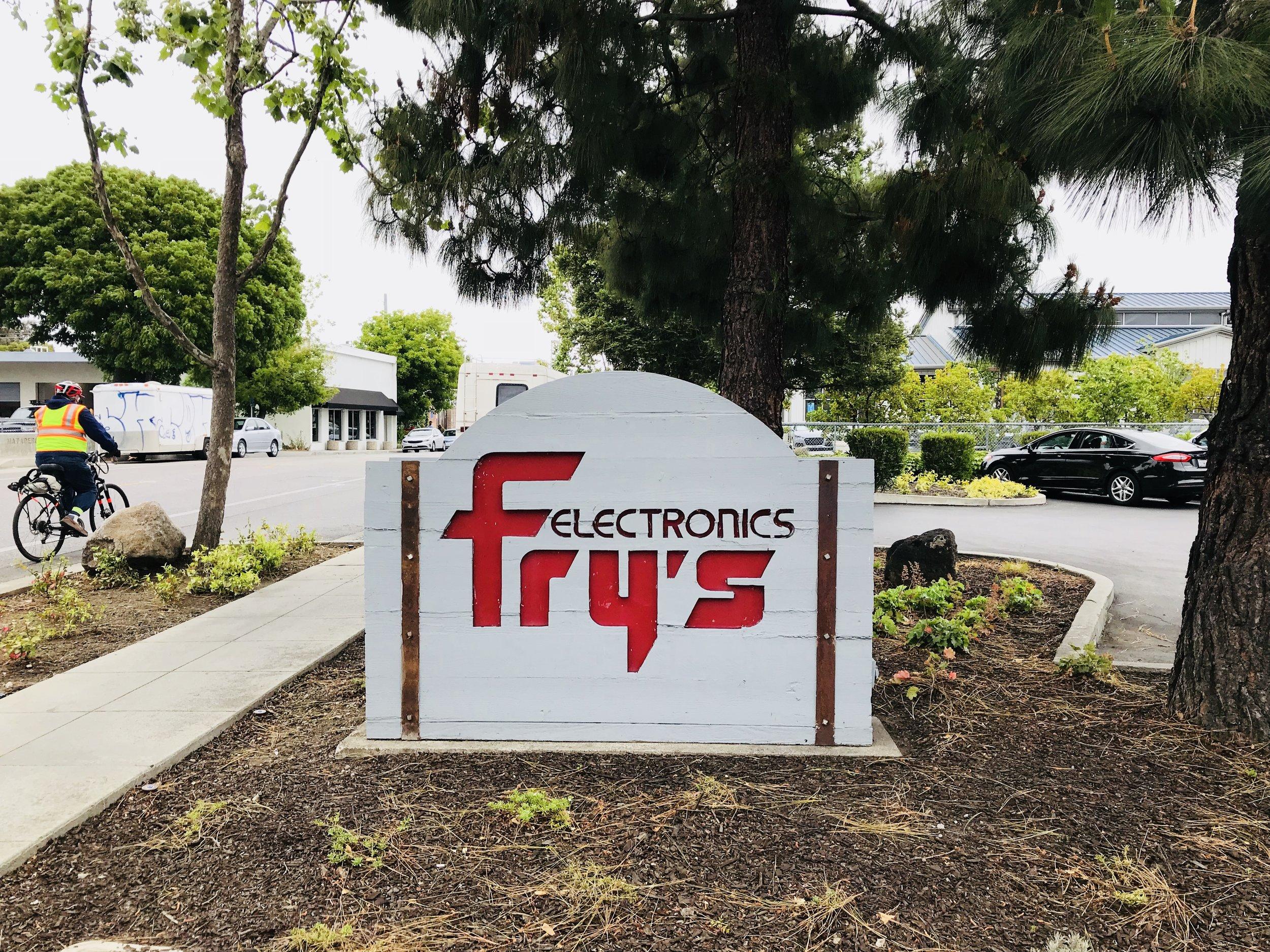 Frys 3.jpg