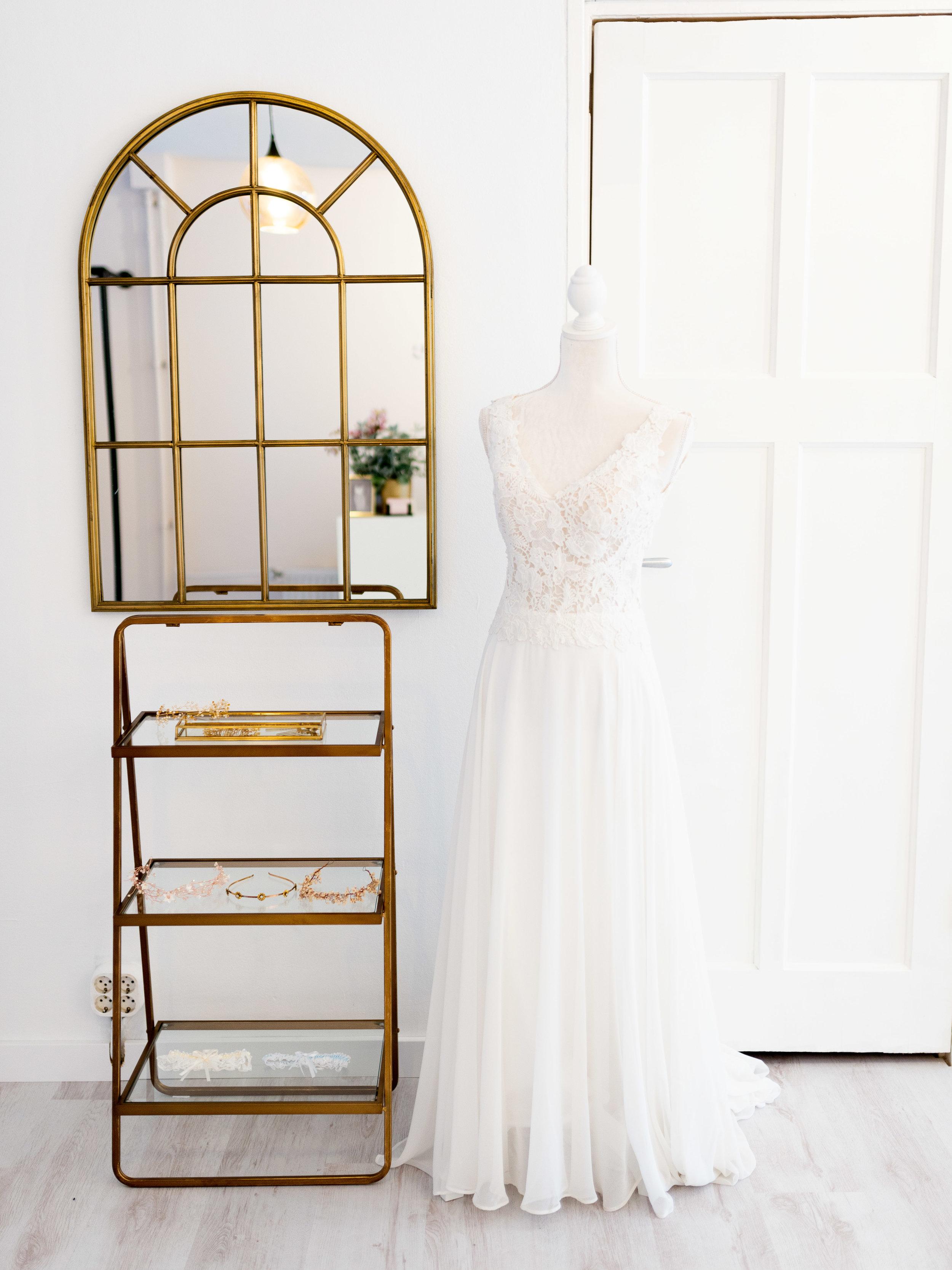 modern-romance-bridal-4.jpg