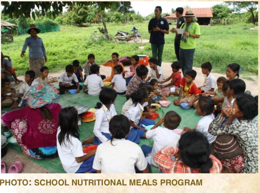 PHOTO:SCHOOL NUTRITIONAL MEALS PROGRAMGIVINGTWICEATCHRISTMAS