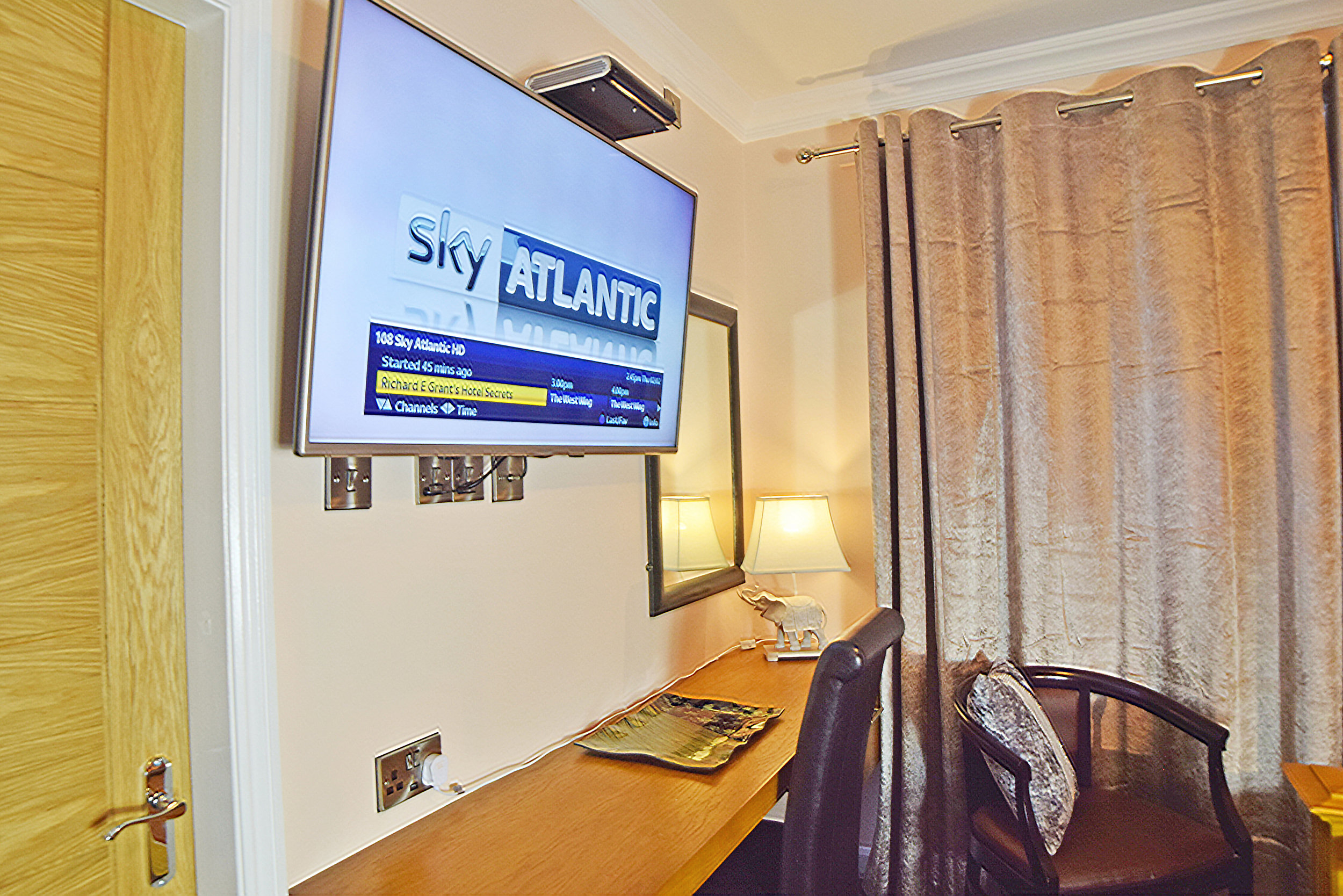 Room 110 Sky 1.jpg