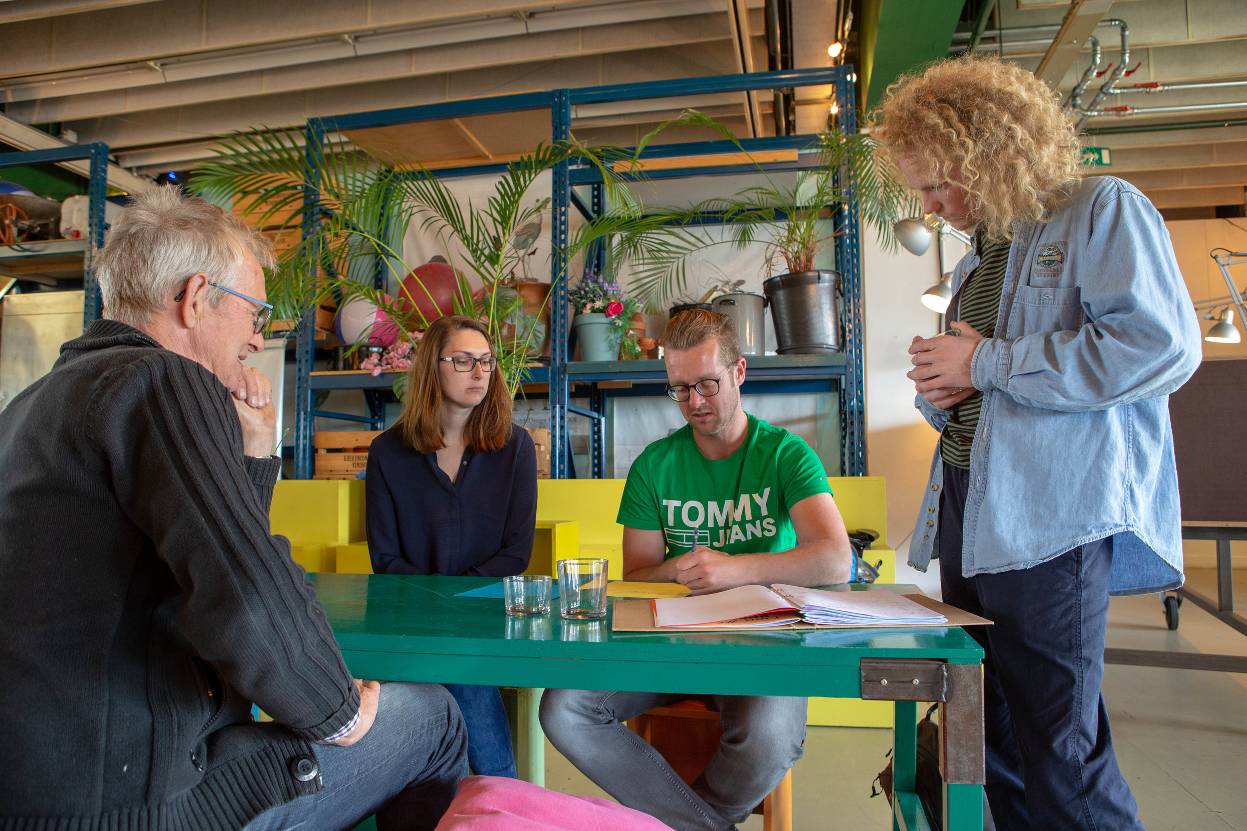 Sander Veldhorst met zijn vriendin en vader.